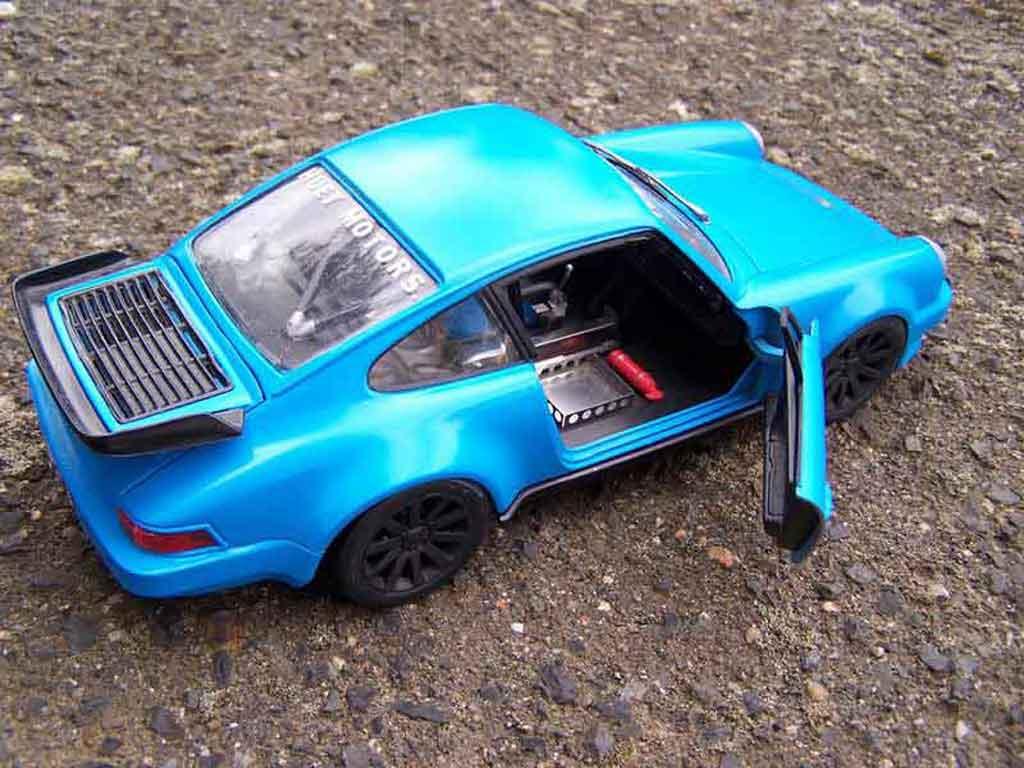 Porsche 930 Turbo 1/18 Tonka bleu