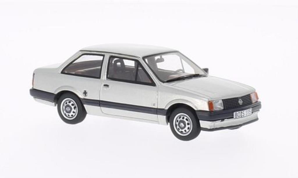 opel corsa a tr silber 1982 mcw modellauto 1 43 kaufen verkauf modellauto online. Black Bedroom Furniture Sets. Home Design Ideas
