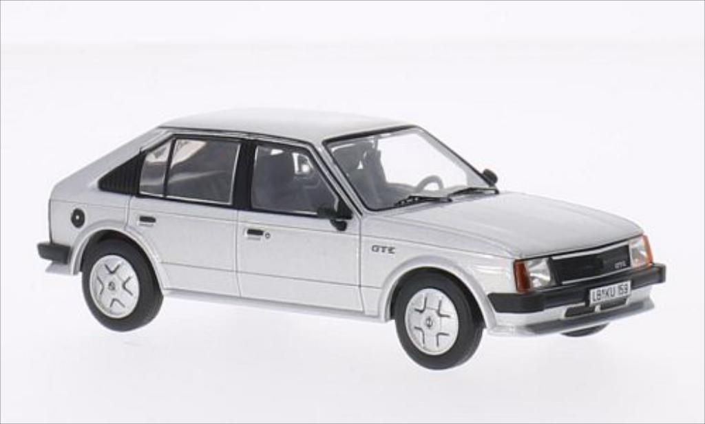 Opel Kadett D 1/43 IXO GT/E grise 1983 miniature
