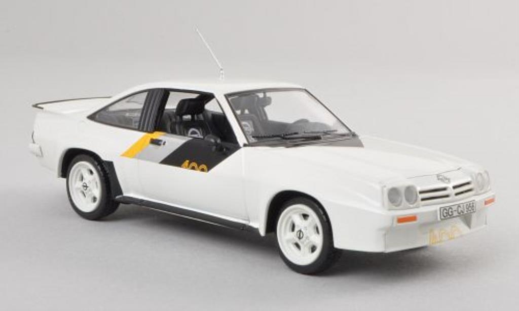 Opel Manta B 1/43 Schuco 400 blanche miniature