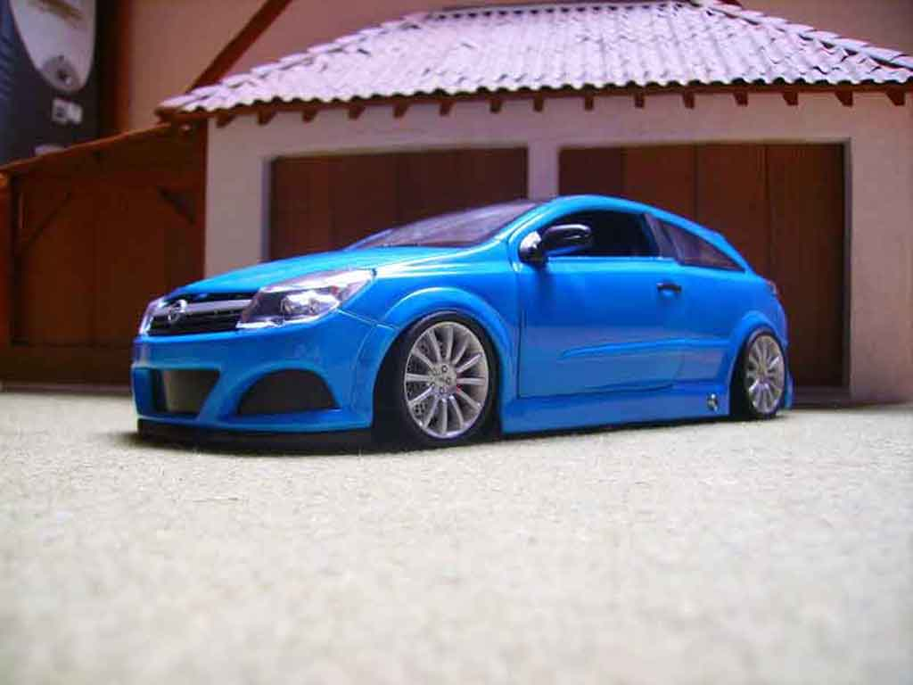 Opel Astra 1/18 Welly gtc opc