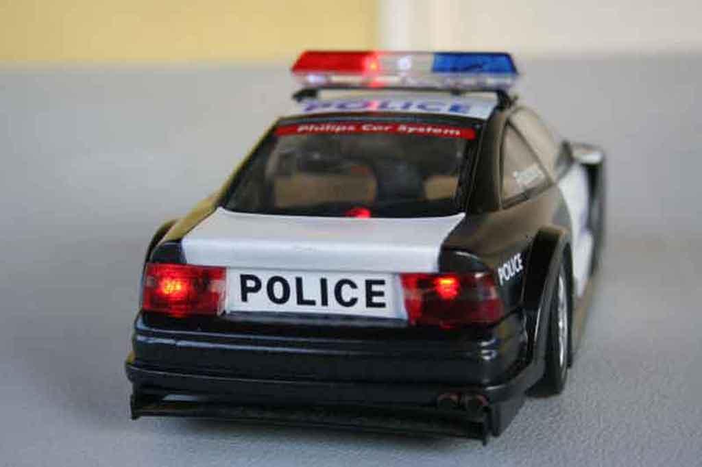Opel Calibra 1/18 Ut Models turbo police nationale