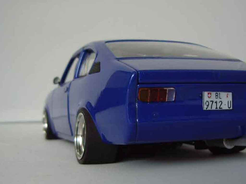 opel kadett coupe sr 1976 blau minichamps modellauto 1 18. Black Bedroom Furniture Sets. Home Design Ideas