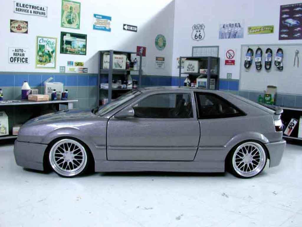 Volkswagen Corrado VR6 1/18 Revell kit carrosserie rieger