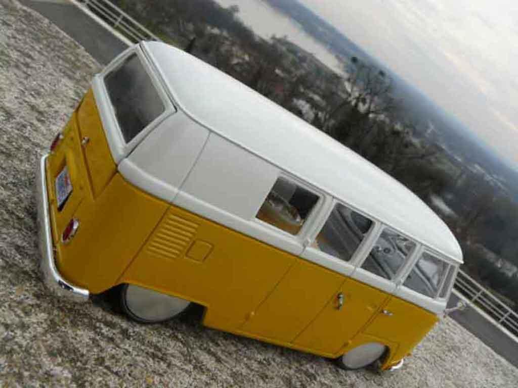 Volkswagen Combi 1/18 Solido split moon