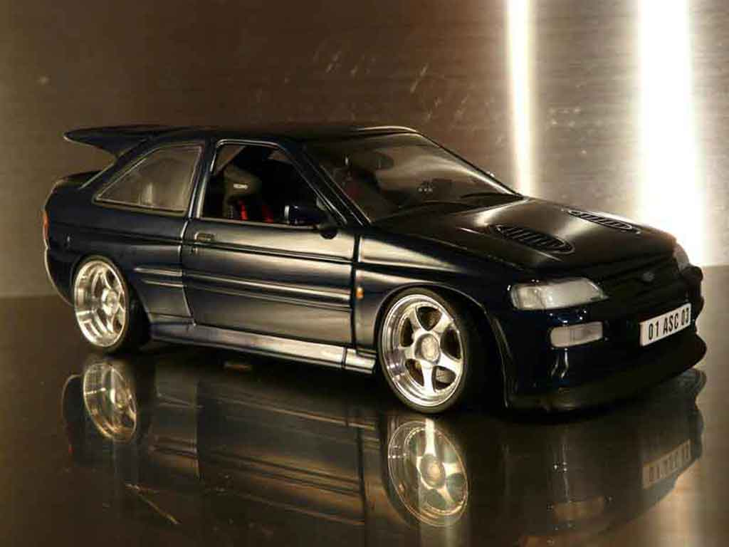 ford escort cosworth miniature rs tuning ut models 1 18. Black Bedroom Furniture Sets. Home Design Ideas