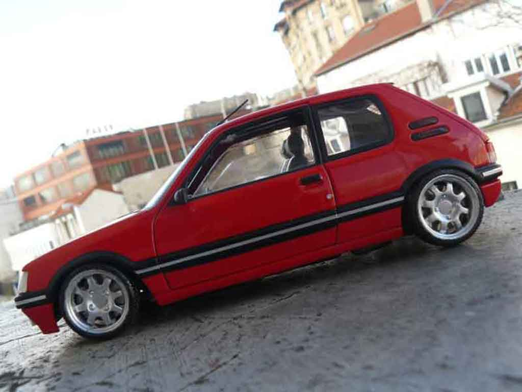 Peugeot 205 GTI 1/18 Solido 1.9 Rouge Vallelunga rouge vallelunga jantes pts