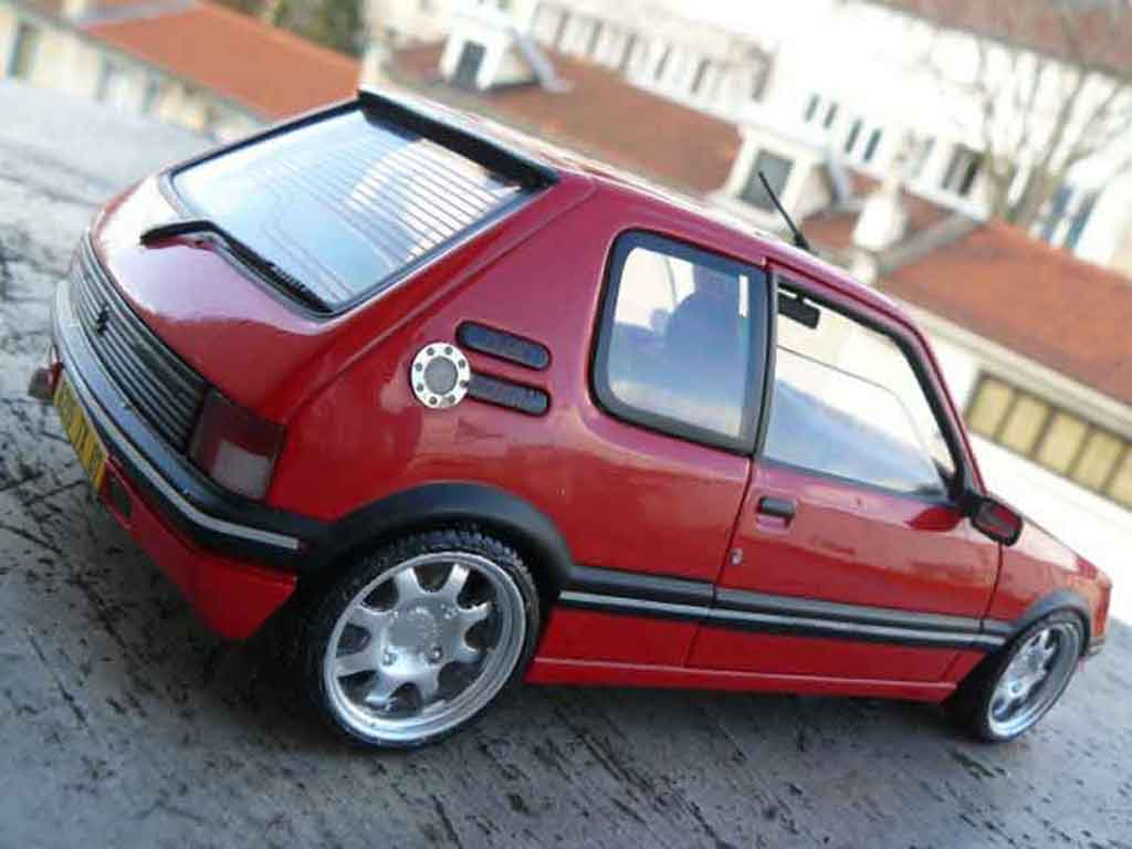 peugeot 205 gti 1 9 rouge vallelunga miniature rouge vallelunga jantes pts solido 1 18 voiture. Black Bedroom Furniture Sets. Home Design Ideas