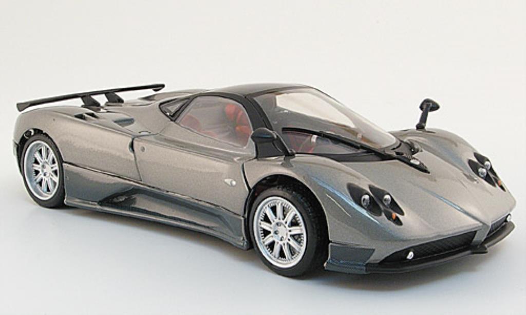 Pagani Zonda F 1/24 Motormax grise/noire/carbon miniature