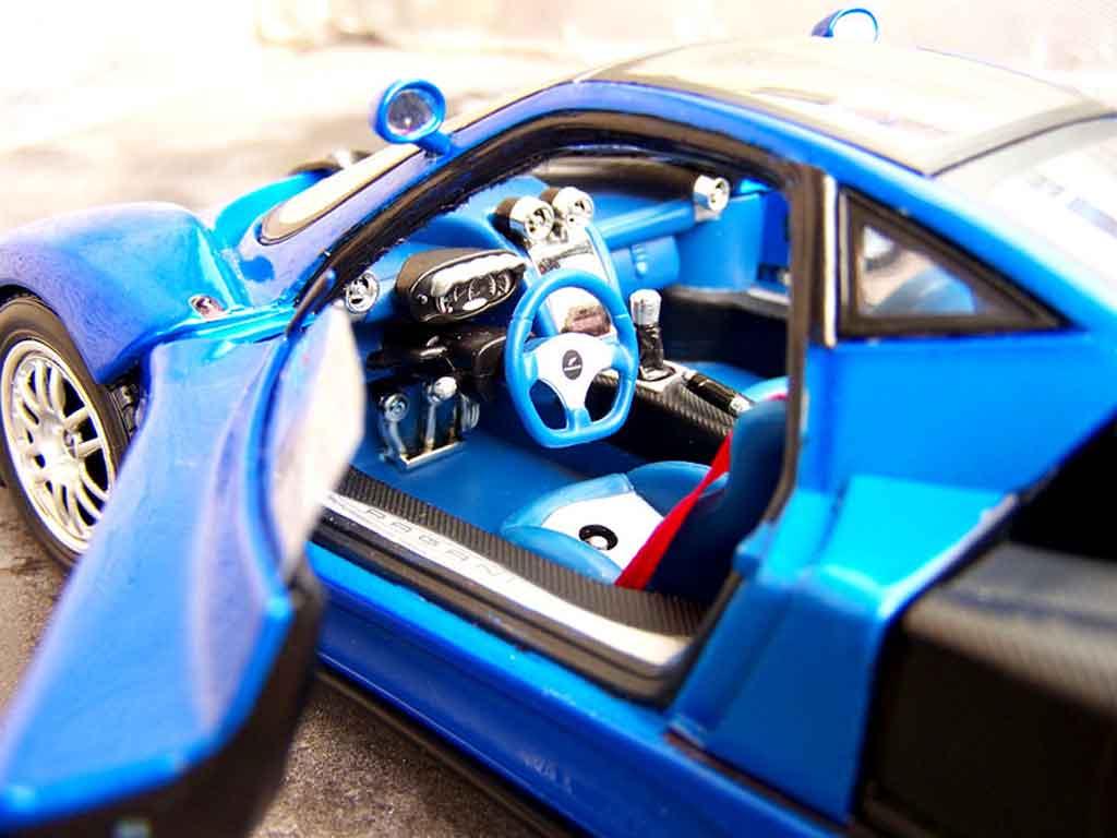 Pagani Zonda C12 1/18 Motormax blau