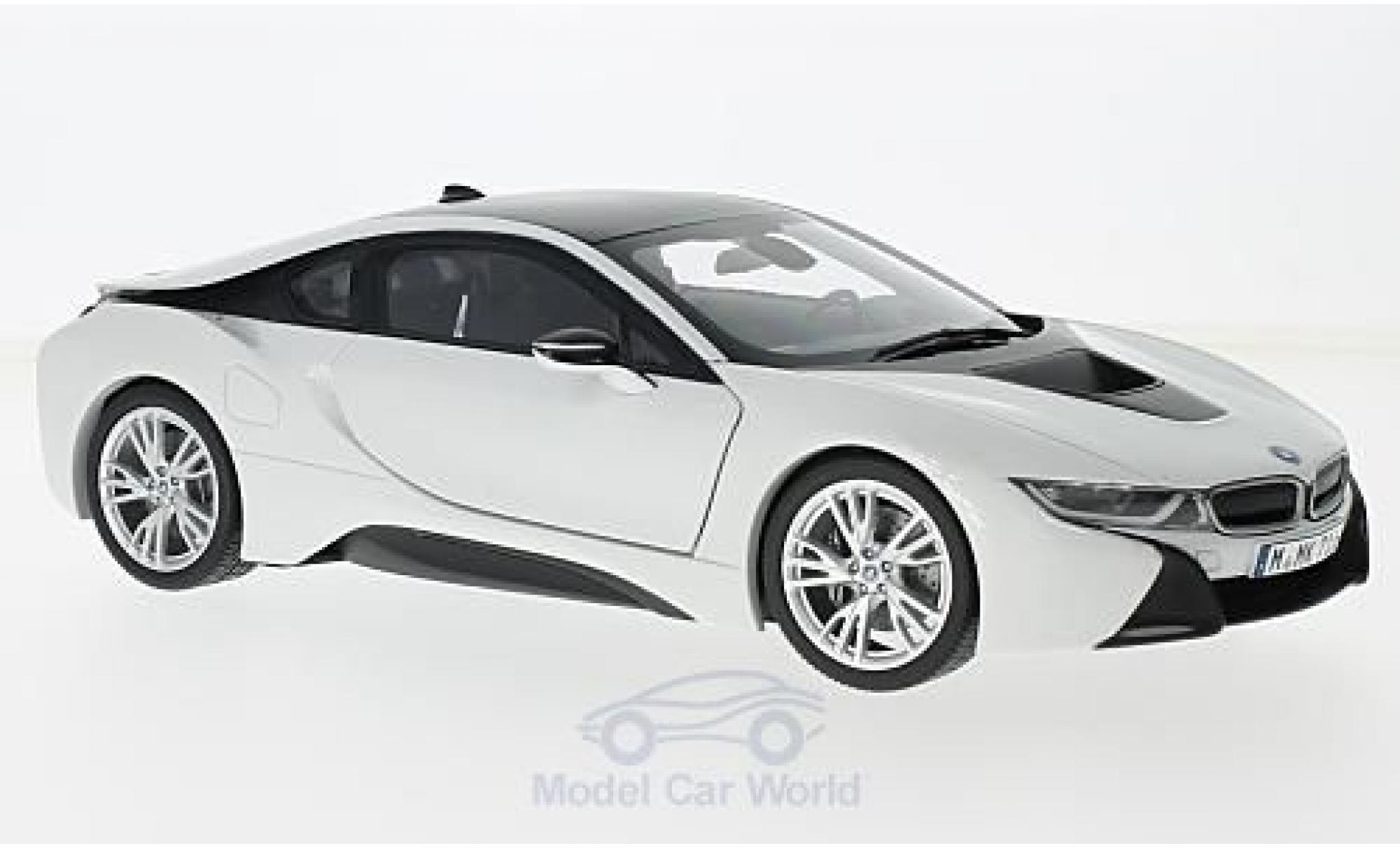 Bmw i8 1/18 Paragon BMW metallic-weiss/dunkelgrau