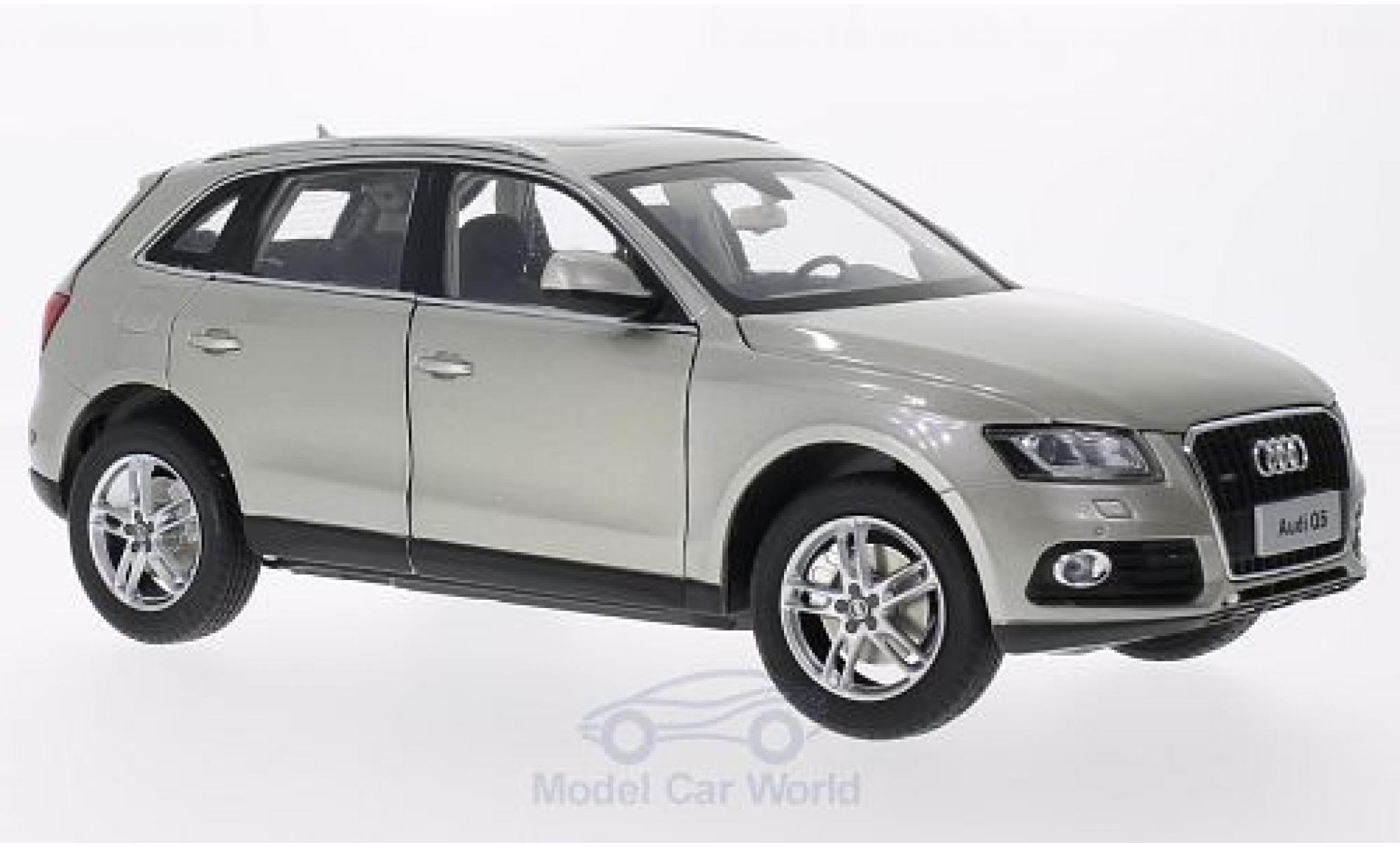 Audi Q5 1/18 Paudi metallico beige 2014