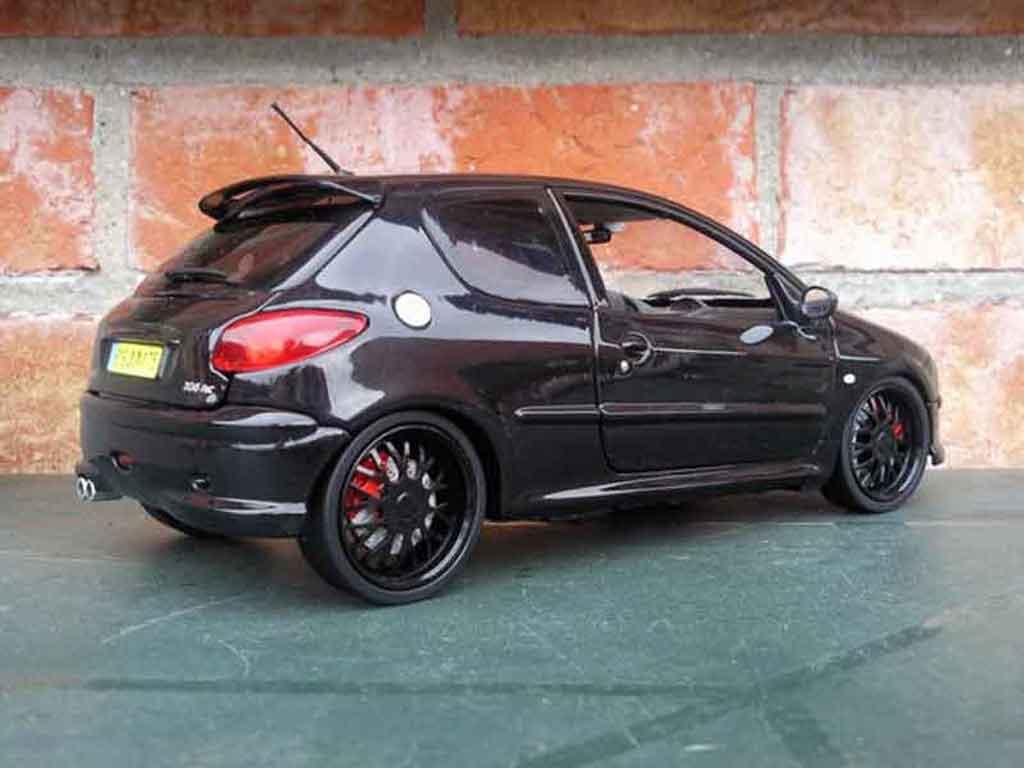 Peugeot 206 RC 1/18 Norev jantes blacks et vitres teintees