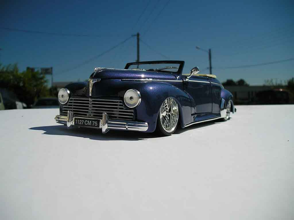 Peugeot 203 cabriolet 1/18 Solido 1954 bleu metalise jantes low riders tuning miniature