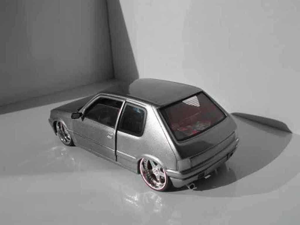 Peugeot 205 GTI 1/18 Solido gray metallisee jantes racing hart 17 pouces