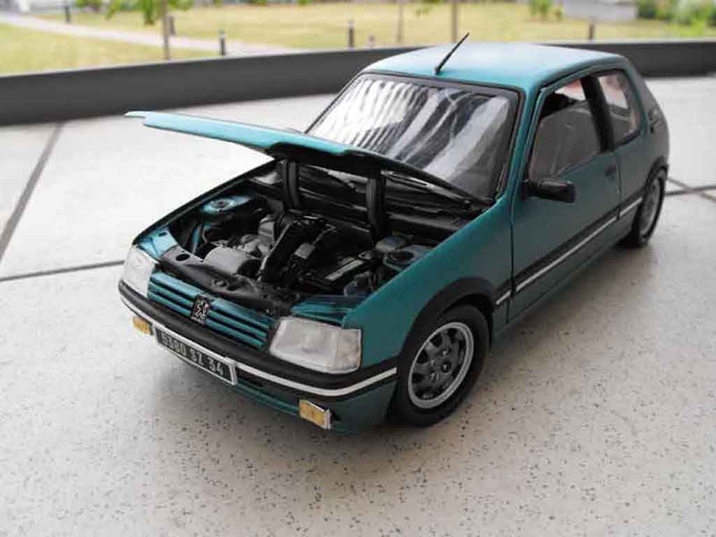 peugeot 205 gti griffe miniature rabaissee solido 1 18 voiture. Black Bedroom Furniture Sets. Home Design Ideas