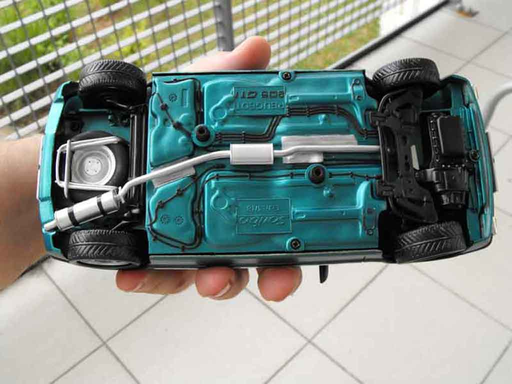 Peugeot 205 GTI 1/18 Solido Griffe rabaissee