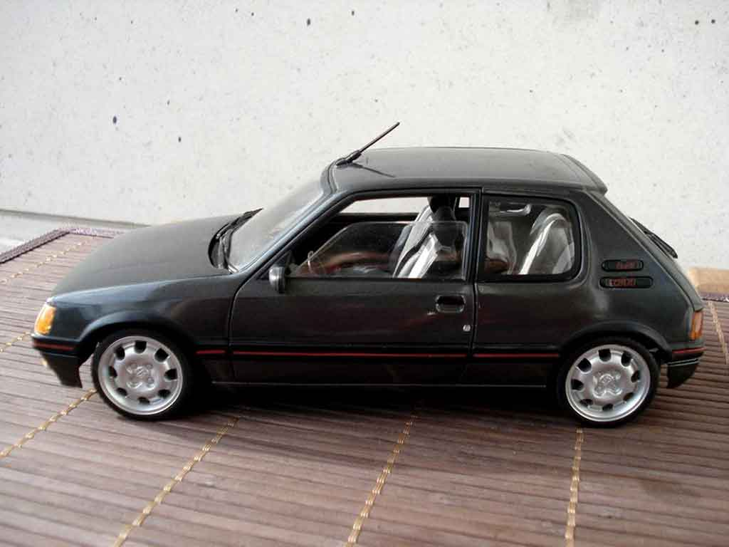 Peugeot 205 gti 1 9 gris graphite wheels 15 inches 309 gti for Housse 205 gti