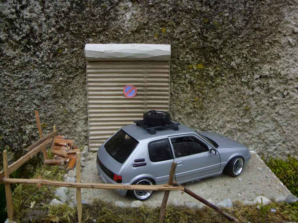 Mod�le r�duit Peugeot 205 GTI grise german look tuning Solido. Peugeot 205 GTI grise german look miniature 1/18