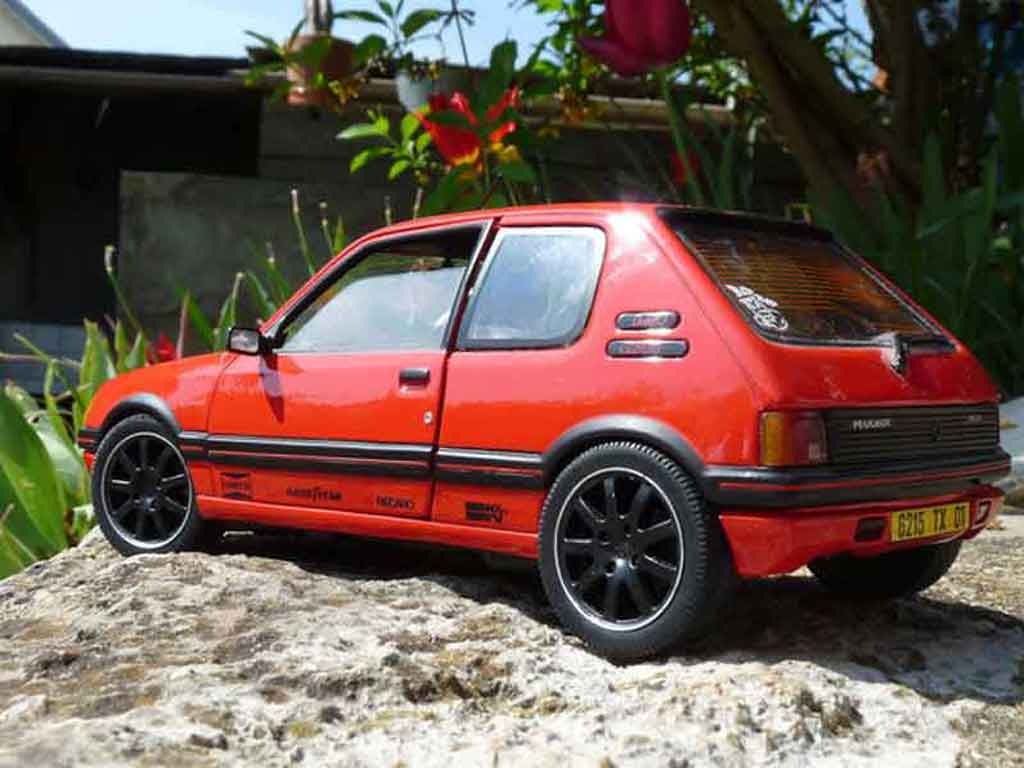 peugeot 205 gti 1 9 rouge vallelunga miniature preparation racing solido 1 18 voiture. Black Bedroom Furniture Sets. Home Design Ideas