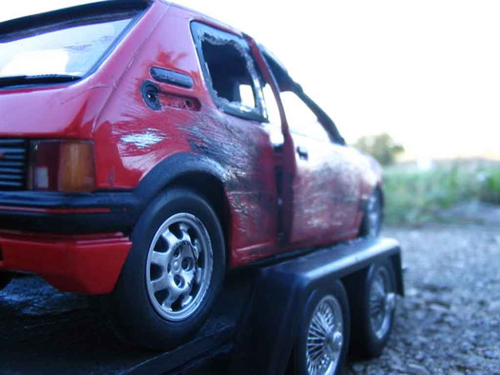 Peugeot 205 GTI 1/18 Solido 1.9 Rouge Vallelunga red accidentee