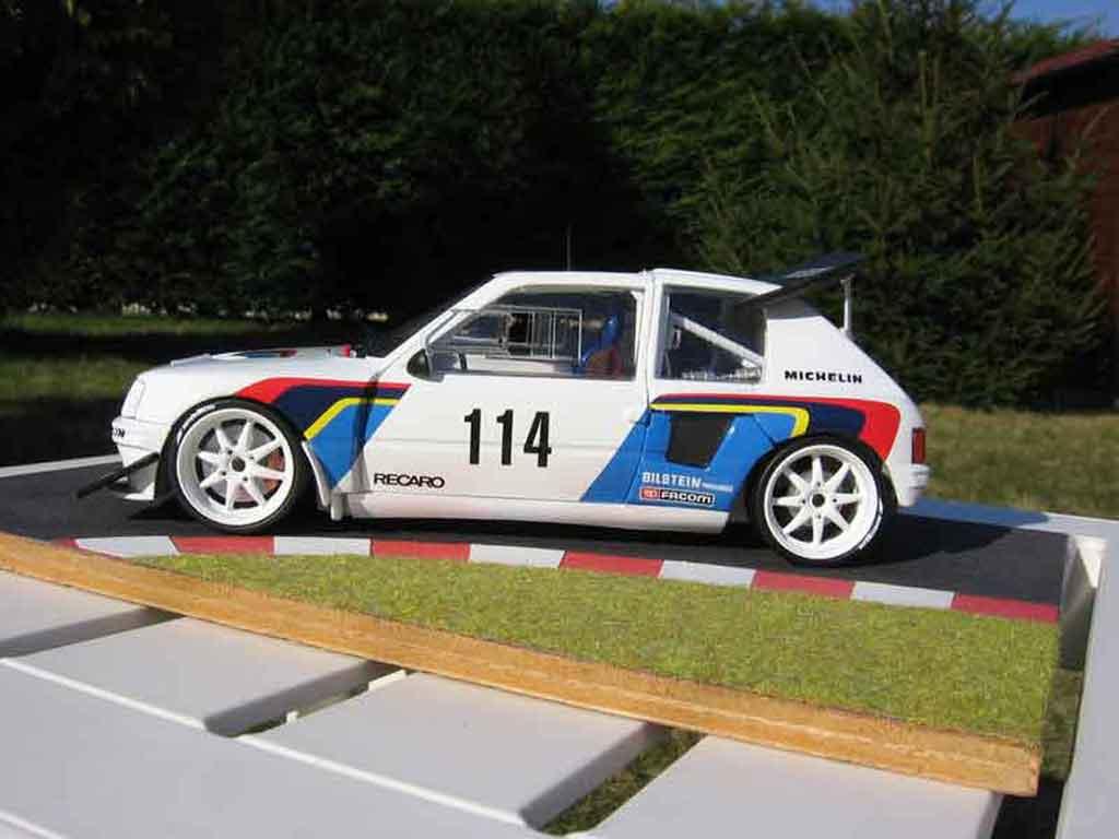 Peugeot 205 Turbo 16 1/18 Solido rallye T16