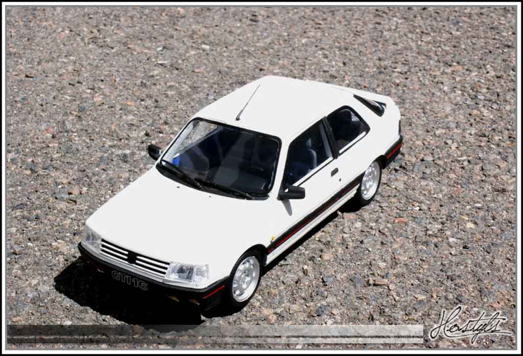 Peugeot 309 GTI 16 1/18 Ottomobile 16 soupapes blanche tuning miniature