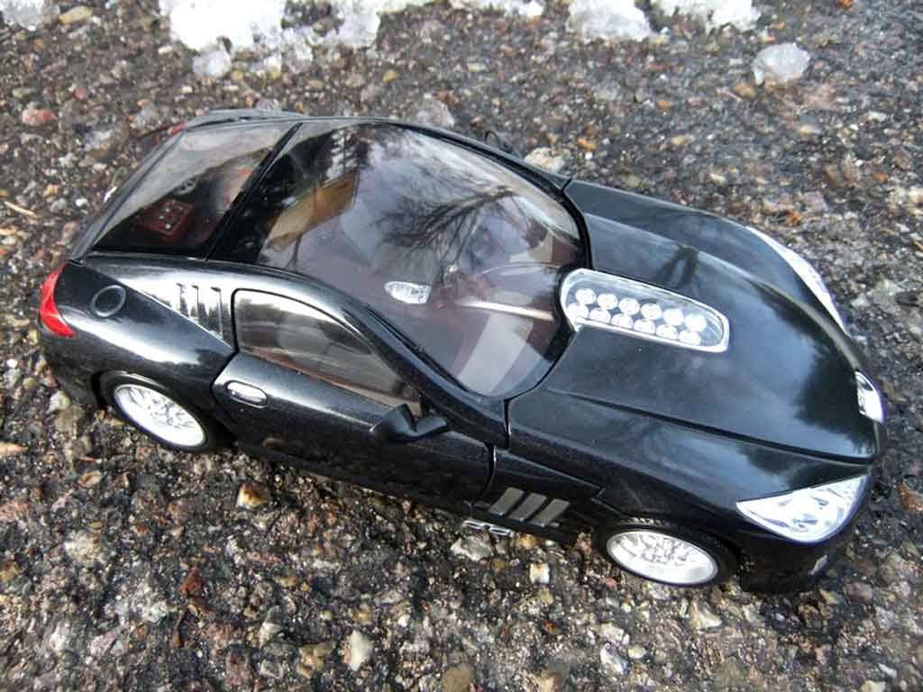 Peugeot 907 miniature concept car 2004 burago 1 18 for Peugeot 907 interieur