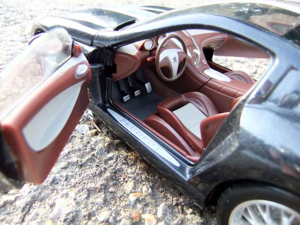 Peugeot 907 1/18 Burago concept car 2004
