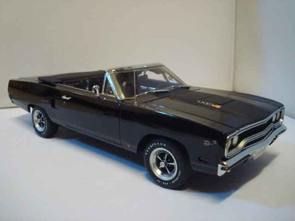Plymouth GTX 1/18 GMP roadrunner 440+6 black 1970 limited edition of 1250