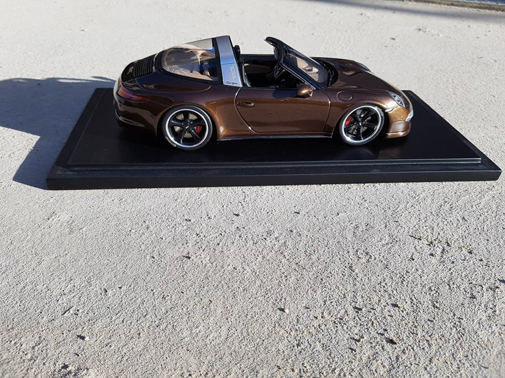 Porsche 991 Targa 1/18 GT Spirit 4 GTS marron jantes techart