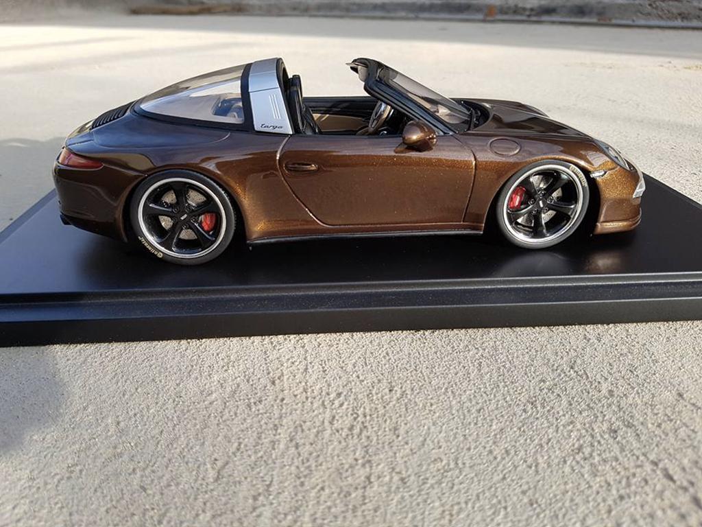 Porsche 991 Targa 4 GTS marron jantes techart tuning GT Spirit. Porsche 991 Targa 4 GTS marron jantes techart miniature modèle réduit 1/18