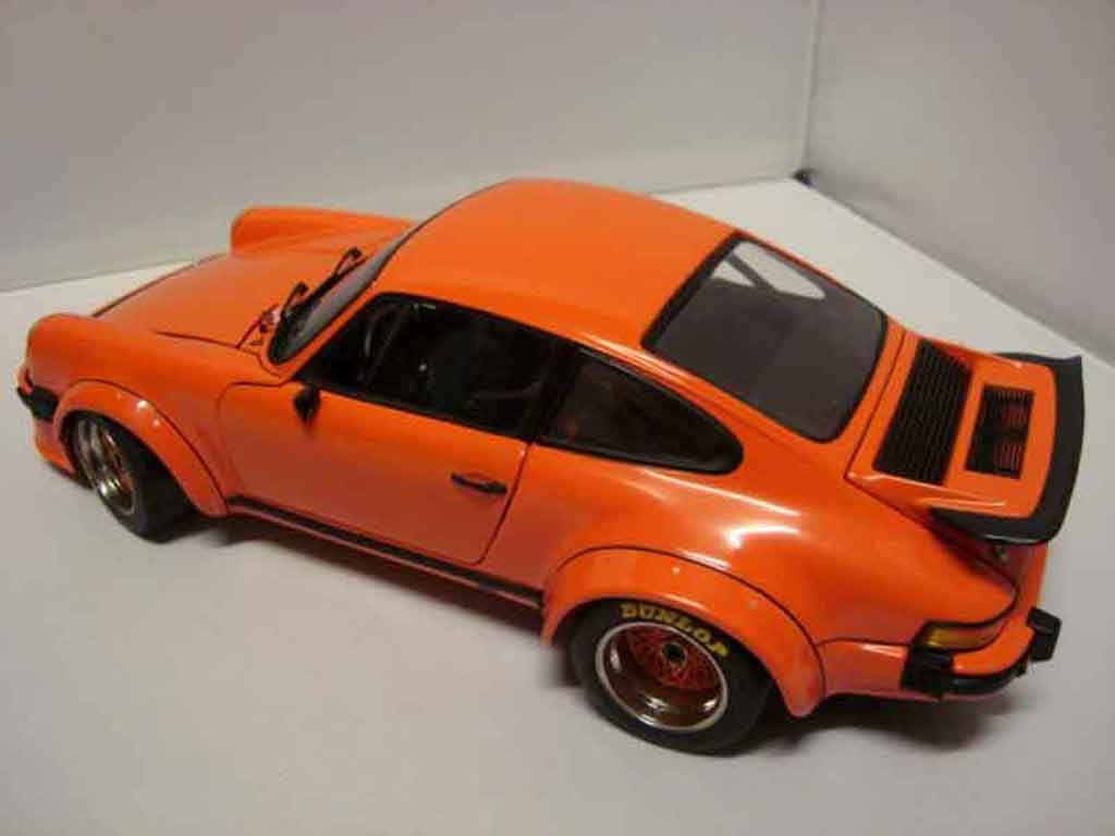 Porsche 934 RSR Turbo 1/18 Exoto orange