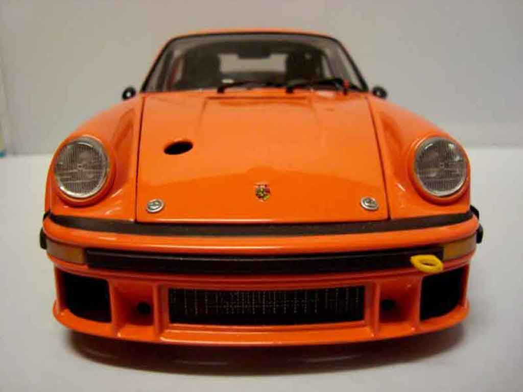 Porsche 934 RSR Turbo 1/18 Exoto orange miniature