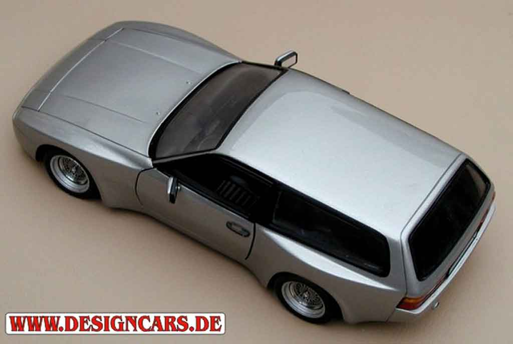 Porsche 944 1985 1/18 Minichamps turbo kombi