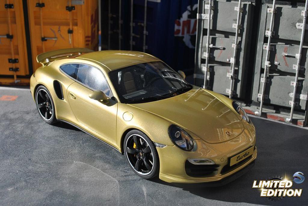 Porsche 991 Turbo 1/18 GT Spirit Exclusive champagne
