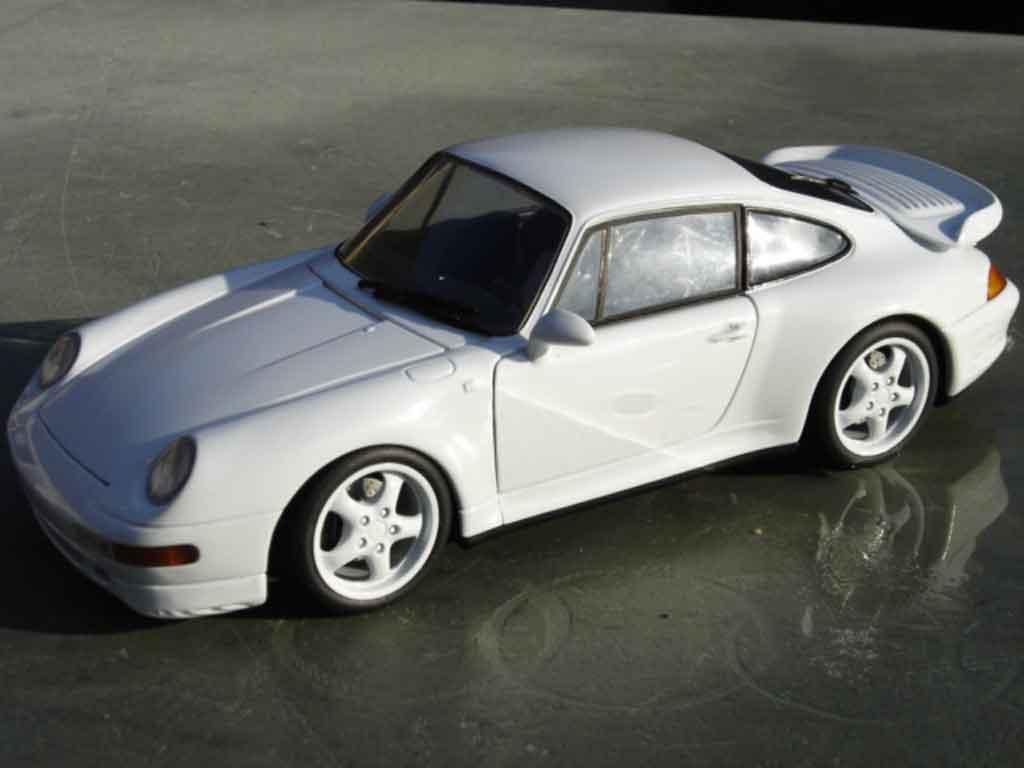 Porsche 993 Turbo bianco tuning Ut Models. Porsche 993 Turbo bianco modellini 1/18