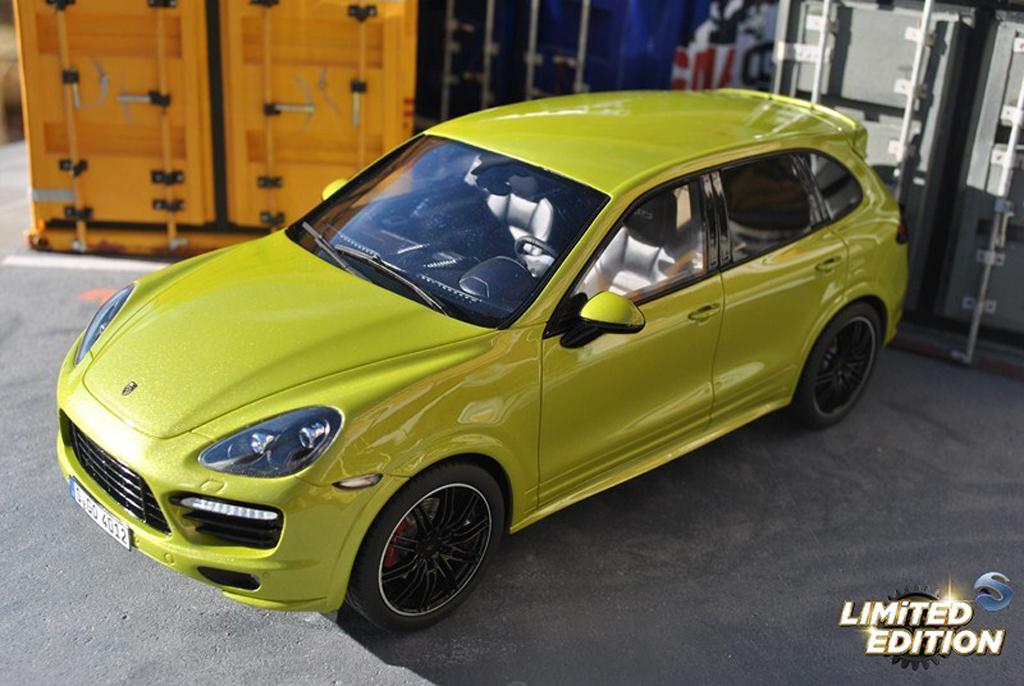 Porsche Cayenne GTS 1/18 GT Spirit grun tuning miniature