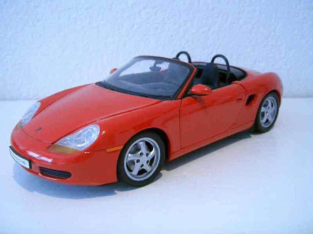 Porsche Boxster 1/18 Ut Models 987 rouge miniature