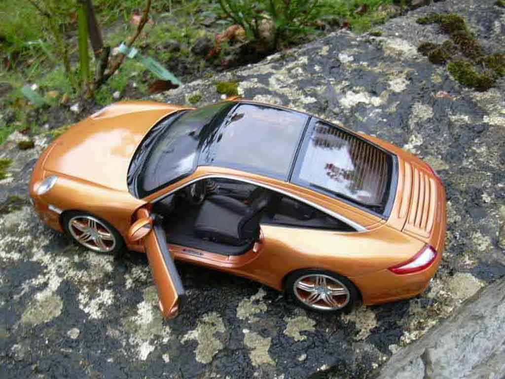 porsche 997 carrera 4s targa orange norev modellauto 1 18. Black Bedroom Furniture Sets. Home Design Ideas