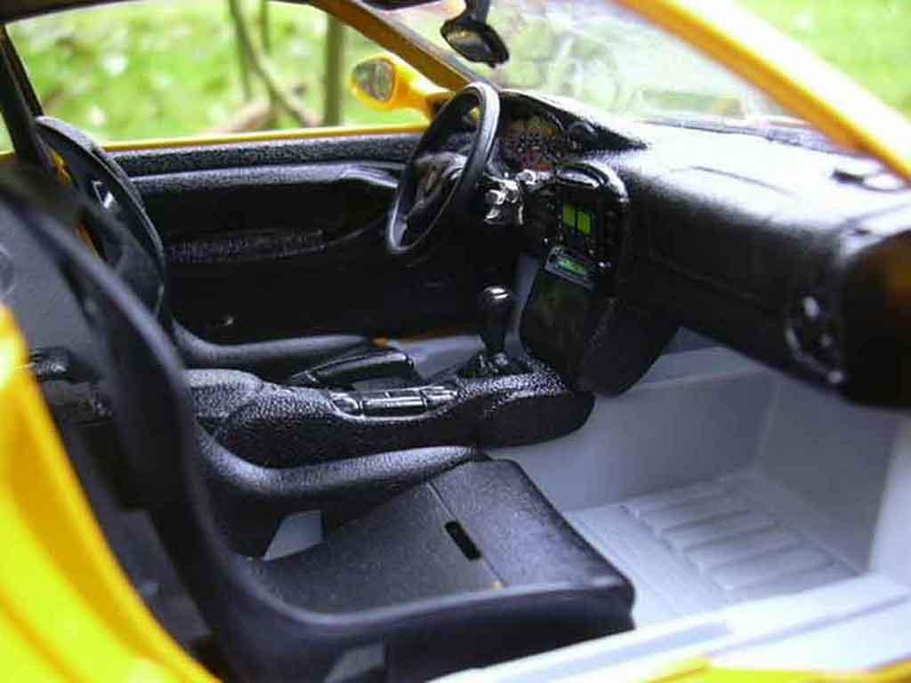 Porsche 996 gt3 99 gelb burago modellauto 1 18 kaufen for Porsche 996 interieur
