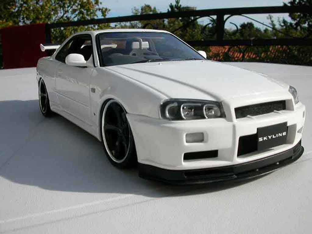 nissan skyline r34 blanche felgen techart autoart. Black Bedroom Furniture Sets. Home Design Ideas