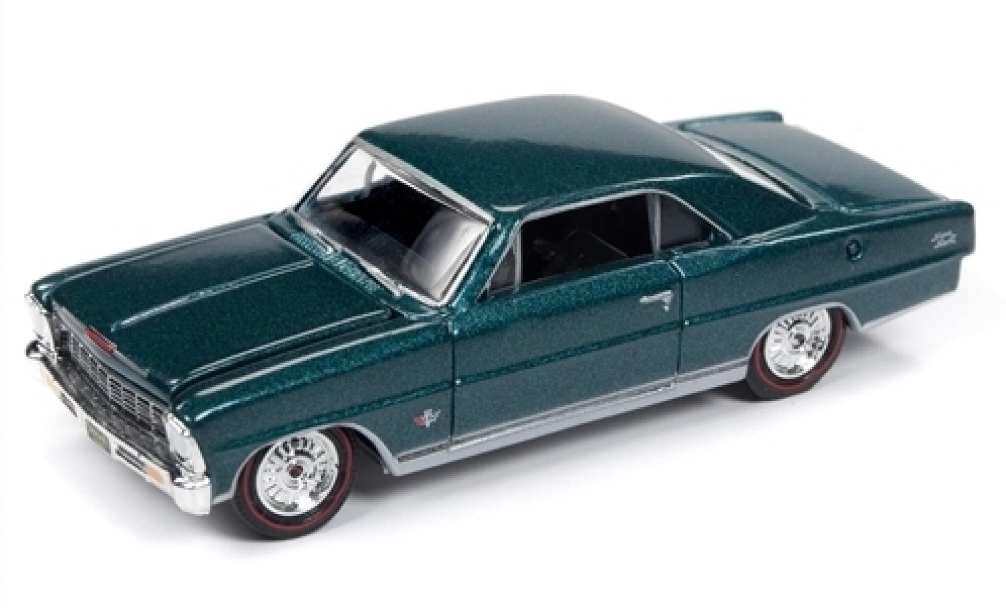 Chevrolet Nova 1/64 Racing Champions Mint SS métallisé verte 1966