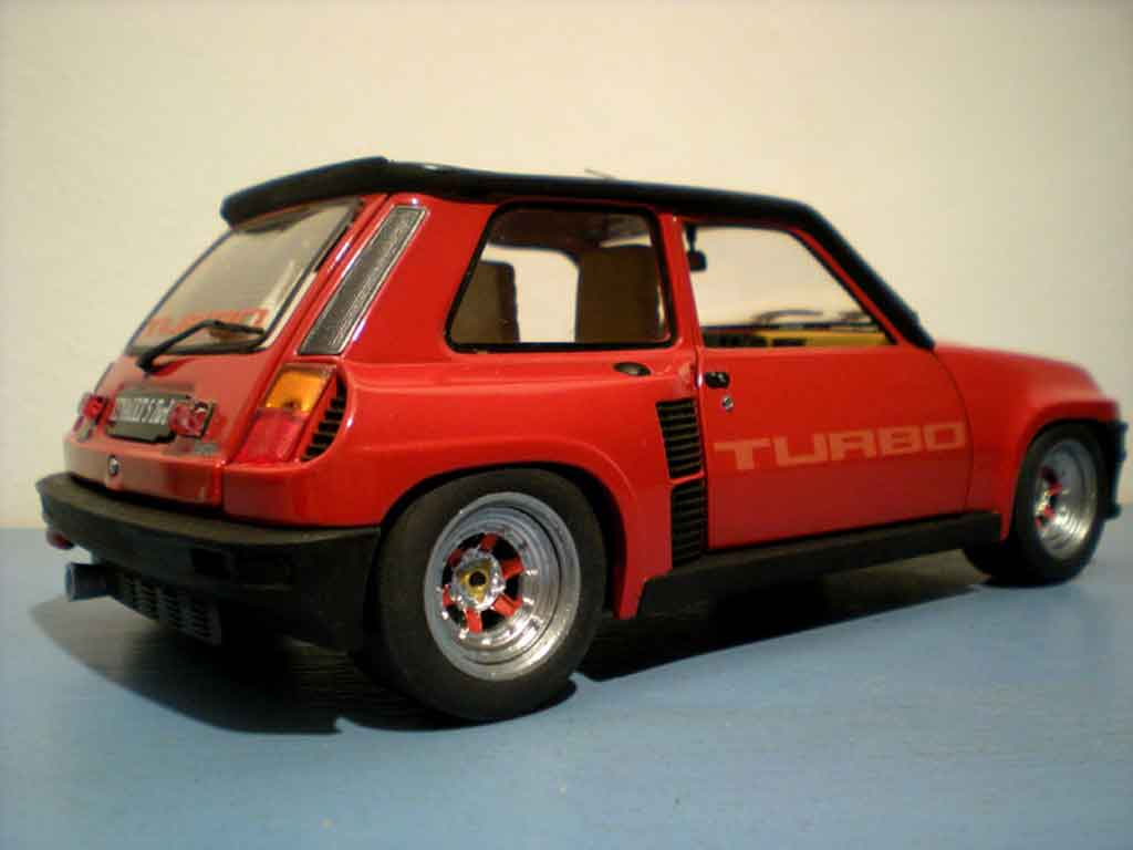 Renault 5 Turbo 1/18 Universal Hobbies rot jantes gotti 073r