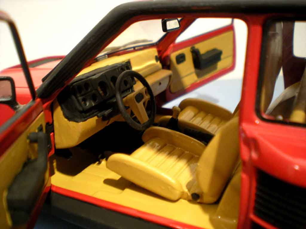 Voiture de collection Renault 5 Turbo rouge jantes gotti 073r tuning Universal Hobbies. Renault 5 Turbo rouge jantes gotti 073r miniature 1/18