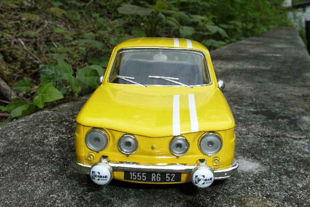 Renault 8 Gordini 1/18 Solido rallye monte-carlo 1969 tuning miniature
