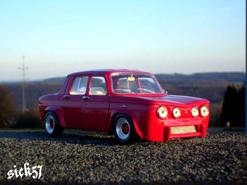 renault 8 gordini miniature rouge ailes larges solido 1 18 voiture. Black Bedroom Furniture Sets. Home Design Ideas