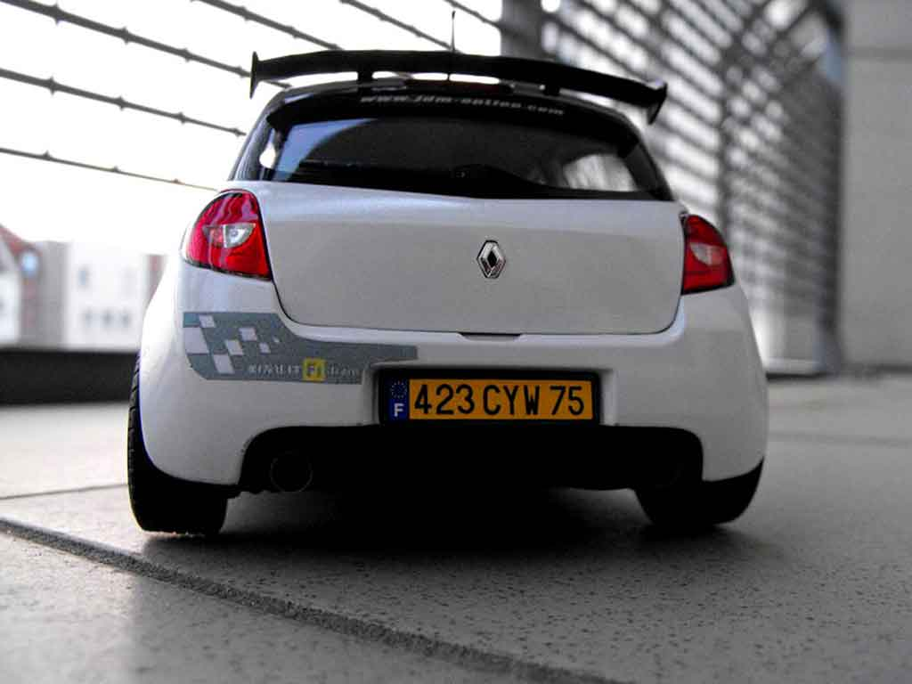 renault clio 3 rs miniature f1 team blanc glacier solido 1 18 voiture. Black Bedroom Furniture Sets. Home Design Ideas