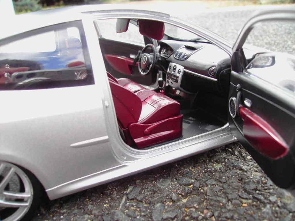 Renault Clio 3 RS 1/18 Solido grise jantes ferrari f430
