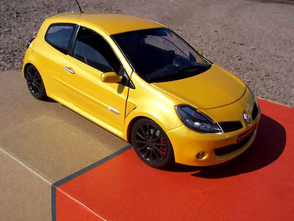 renault clio 3 rs miniature jaune sirius solido 1 18 voiture. Black Bedroom Furniture Sets. Home Design Ideas